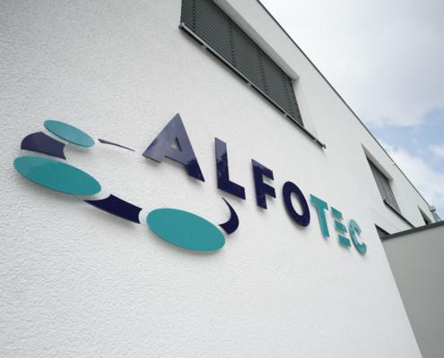 logo alfotec an außenwand