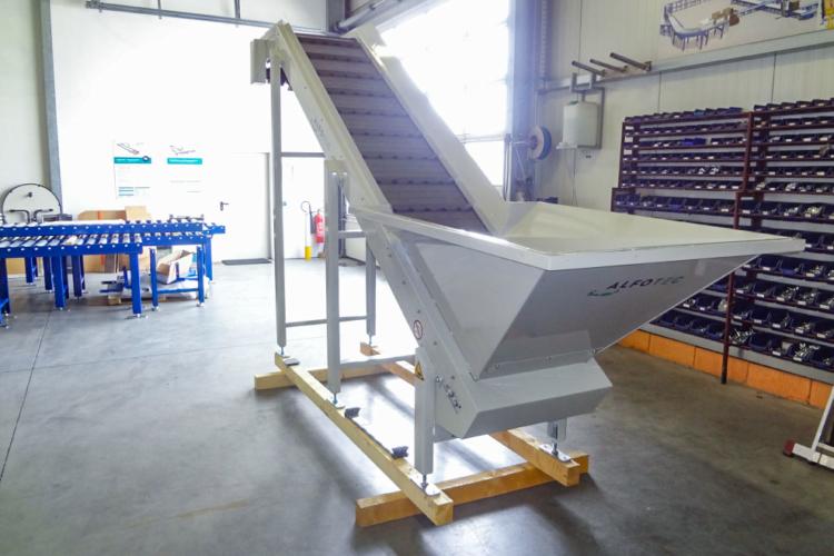 apron conveyor white sloping