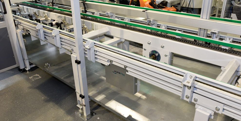 conveyor line with oil pans