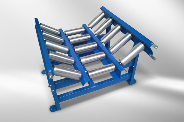 Roller conveyor inclined