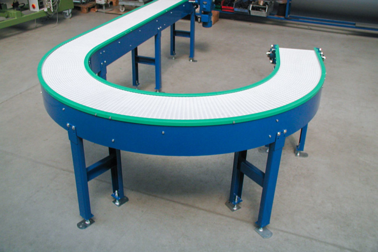 apron conveyor with curve white green blue
