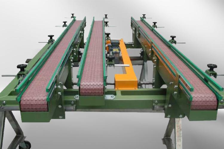 apron conveyor with three conveyor belts